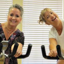Vicki Gordon-Riddell (left) and Linda Wilberg, the spin sisters!