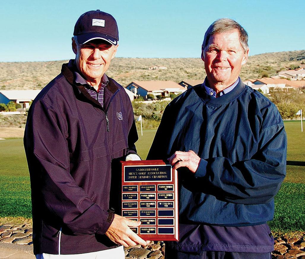 SMGA President Greg Tarr presents tournament plaque to 2015 Super Senior Champion Art Wieda