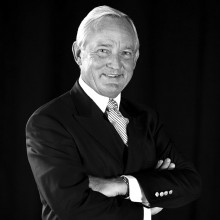 Dr. Craig W. Brue