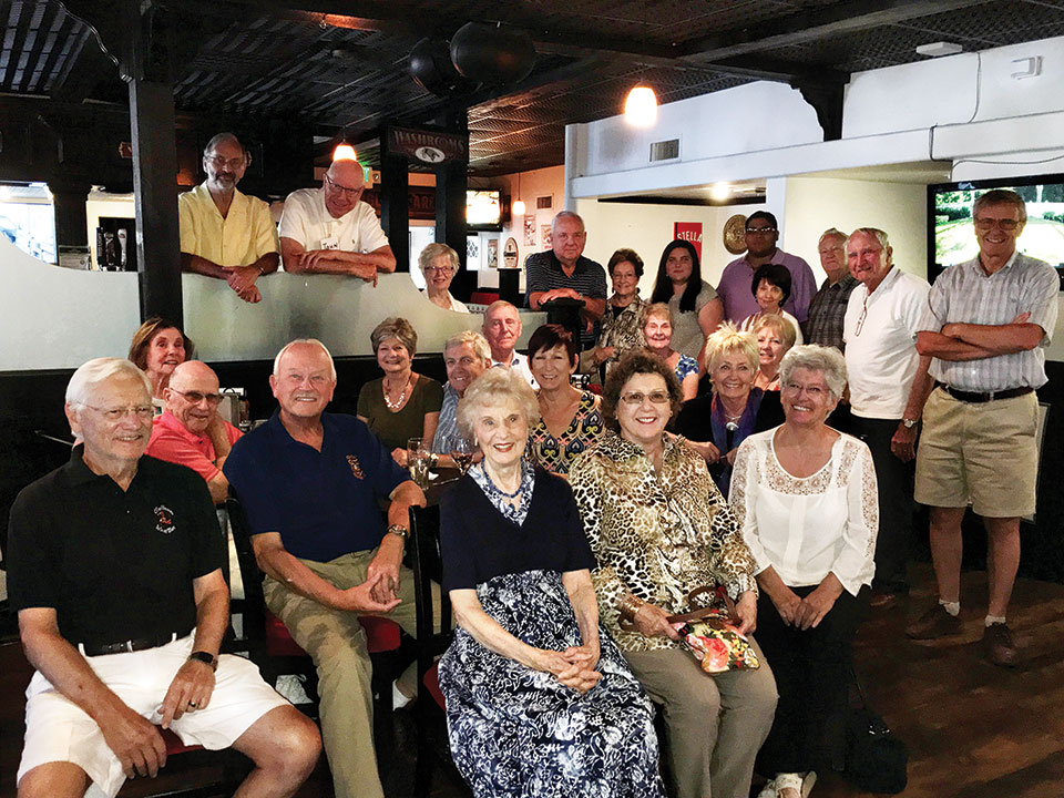 The British Club had Sunday lunch at Canyon's Crown.