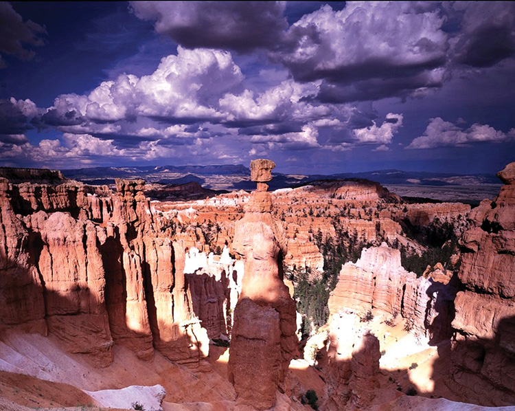 Thor's Hammer in mid-afternoon in Bryce Canyon National Park