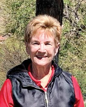 Flight 1 first place winner Sue Wilson (17.5 points)