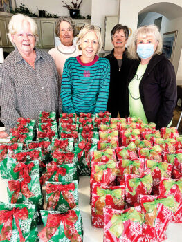 Left to right: Barbara Bloch (co-chairperson), Becky Lima, Diane Mazzarella (co-chairperson), Kathy Turner, and Loralee Horwedel; not pictured: Eileen Snearly (photographer)